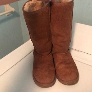 Womens UGG tall boot size 8